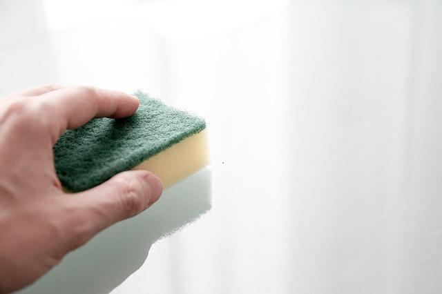 Как отмыть с рук монтажную пену