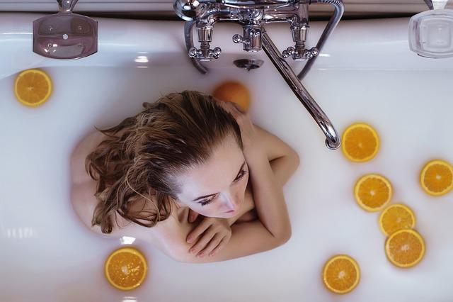 Как отмыть ванну от въевшейся грязи в домашних условиях