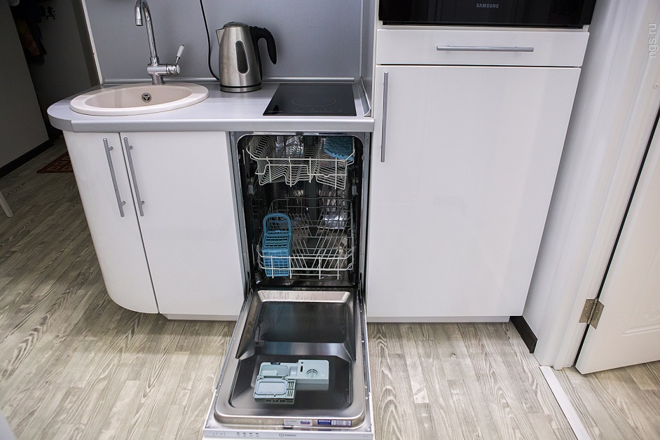 Чем отмыть линолеум от грязи в домашних условиях, чистка линолеума