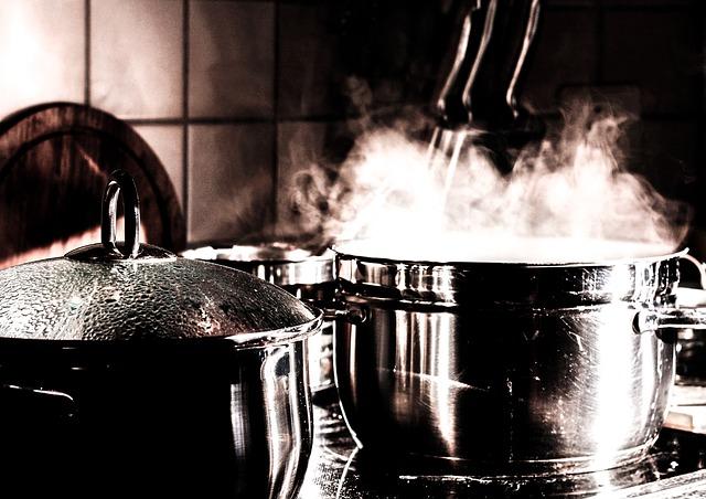Как очистить пригоревшую кастрюлю из нержавейки