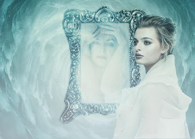 Как почистить зеркало, как отмыть зеркало без разводов