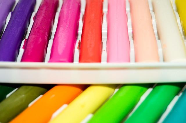 Чем отмыть пластилин, чем растворить пластилин, как убрать пластилин с паласа и других поверхностей