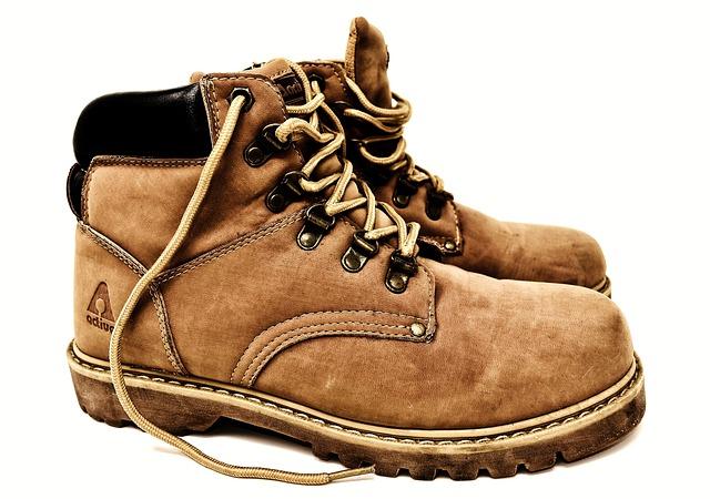 Как чистить замшевую обувь, как убрать соль с замшевой обуви