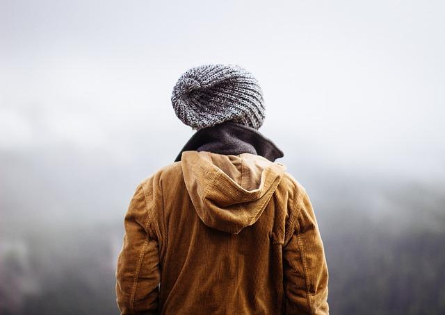 Как стирать шапку с меховым помпоном, как почистить меховую, вязаную, шерстяную и друге виды шапок