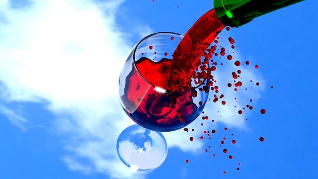 Пятно от красного вина - как отстирать, чем отмыть