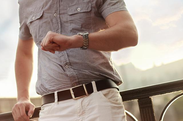 15 способов: как убрать лоснящийся блеск с брюк, удалить блеск на брюках