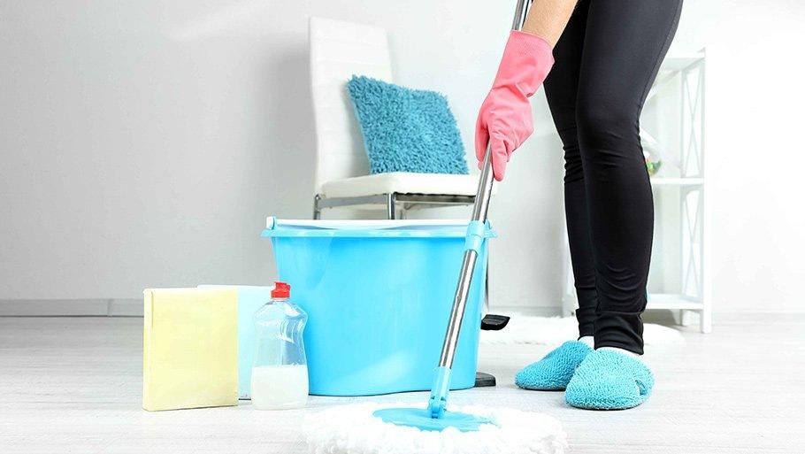 Какими средствами мыть полы?